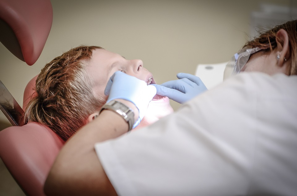 What are the Advantages of Going to a Dentist?